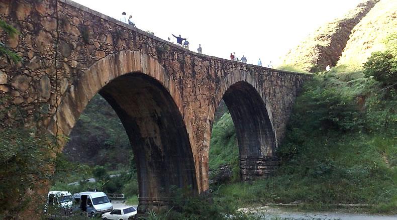 Ponte dos Arcos - Conservatória | Portal Valença RJ